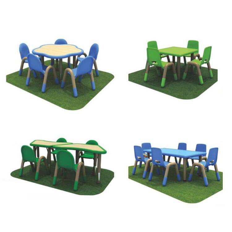 Children's table and chairs (3)