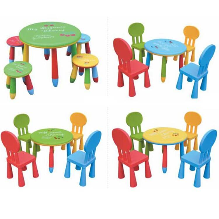 Children's table and chairs (5)