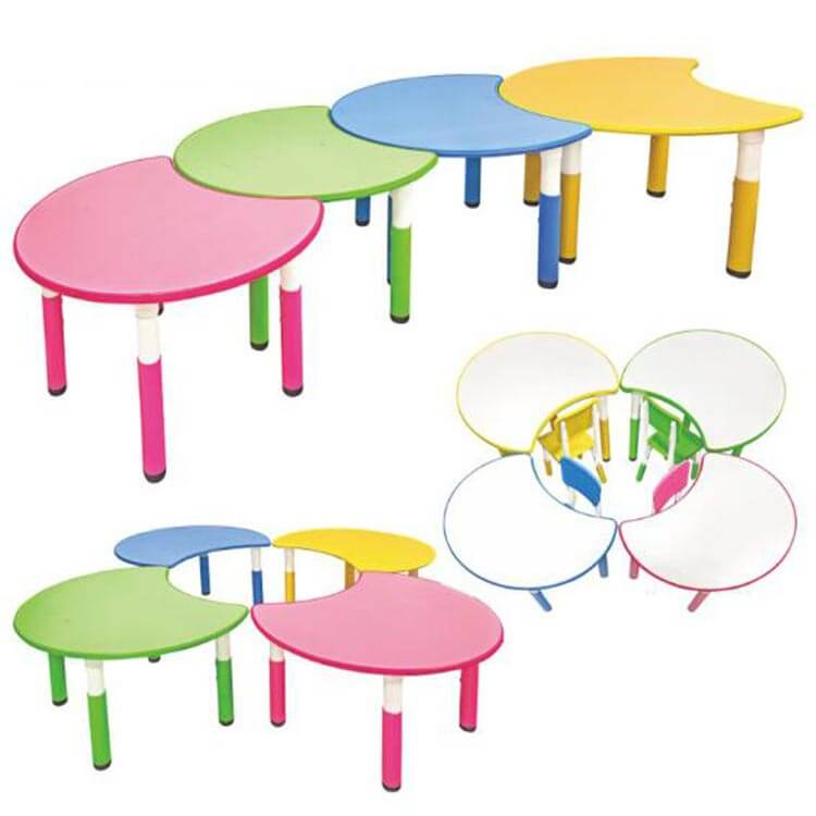 Children's table and chairs (6)