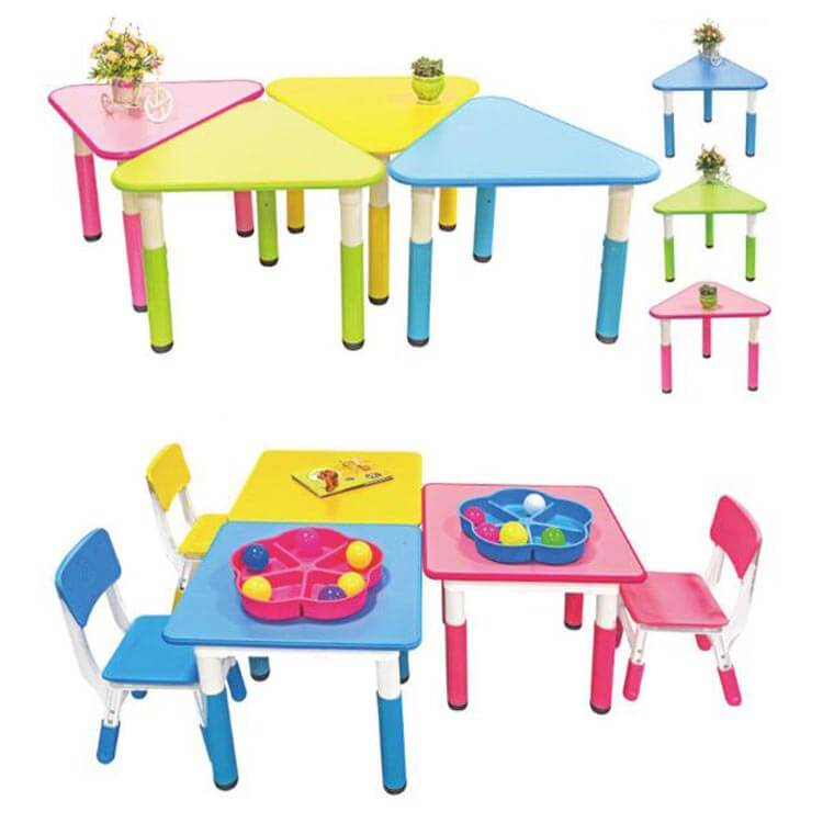 Children's table and chairs (7)